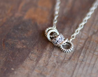 Simple Silver Floral Necklace
