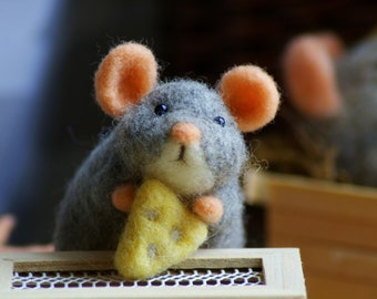 Country Mouse with cheese & cookie Needle Felting Kit - Basic or Complete Kit -Tutorial- DIY Craft Kit for beginner