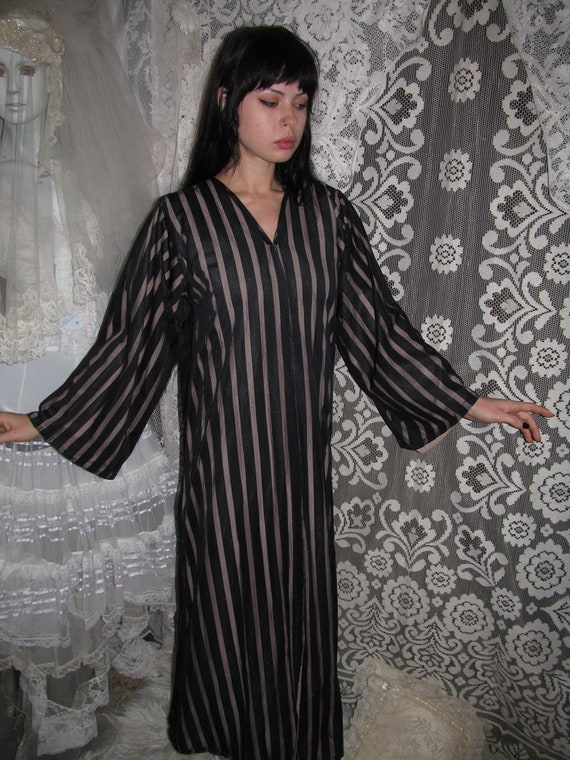 60s 70s Striped Robe Black and Muted Brown / Pink
