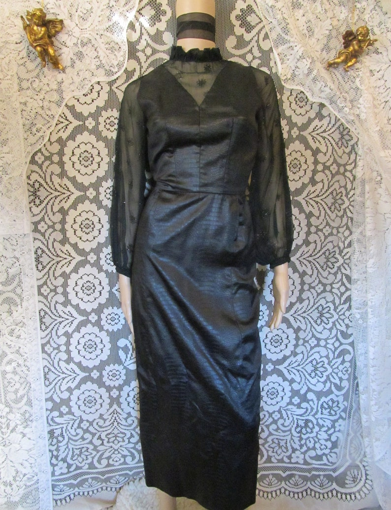 Black Snake Print Dress High Victorian Collar 70s 80s Trad Goth Balloon Poet Sleeves Witchy Witch Vampira Elvira Sheer Floral Daisy Collar