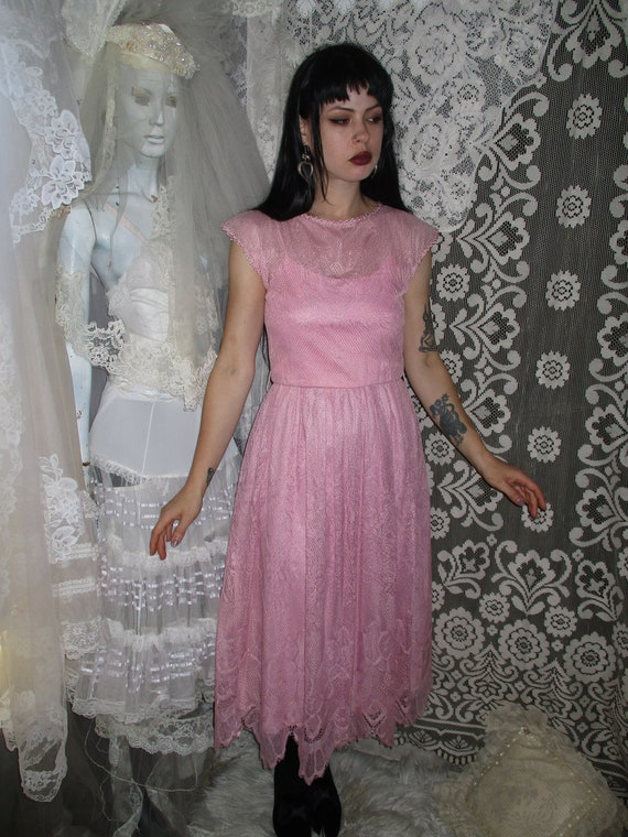 50s 60s Pink Lace Dress with Pointed Handkerchief… - image 4
