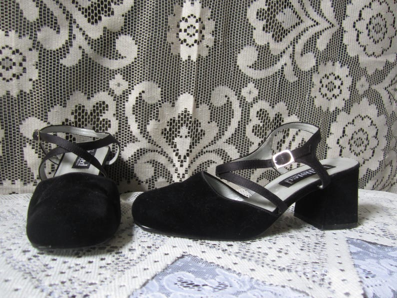 c078f1bc81827a 90 s Black Velvet Heels Velvet Shoes Pumps 90 s Goth