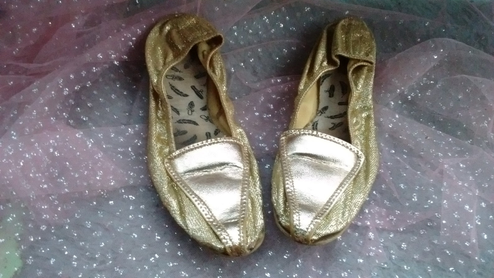 gold ballet flats lurex leather pointy pointed mid century boho bohemian slip on mod genie retro hippy metallic princess balleri