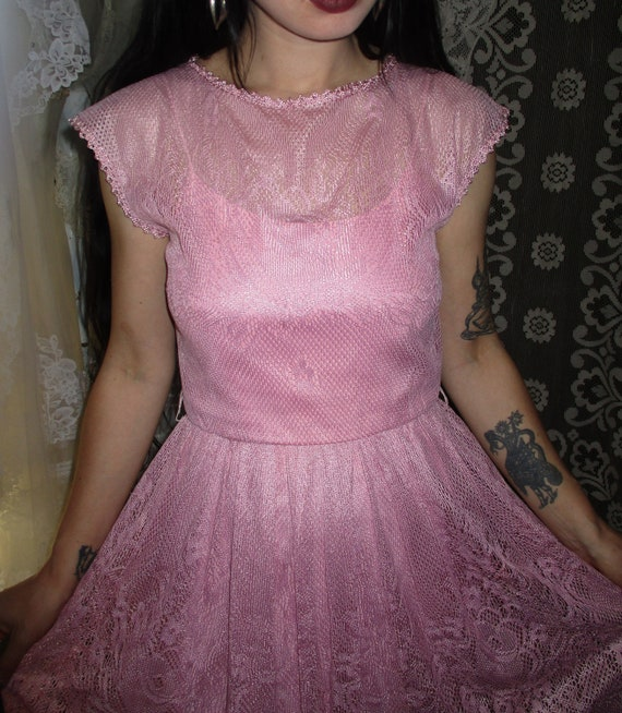 50s 60s Pink Lace Dress with Pointed Handkerchief… - image 5