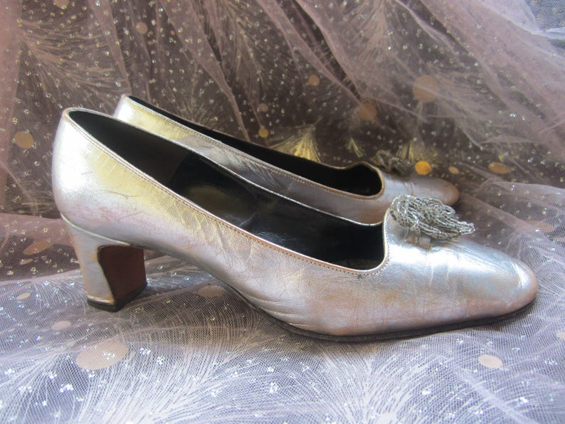 8533f96d74313 50s 60s Mid Century Silver Heels Metallic Loafers with Bead Tassels Leather  Mad Men Pumps Shoe Cinderalla Slipper Protege Retro Rococo 5.5 6