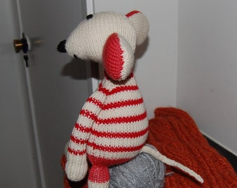 Knitted Mouse Alice. Shipping is free!