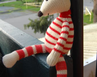 Knitted mouse Jenny. Shipping is free!