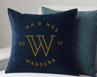 Mr & Mrs Pillow, Personalized Velvet Throw Pillows, Velvet pillow, Wedding Gift, Bridal Shower gift, personalized pillow, anniversary gift