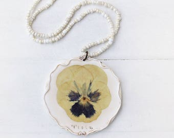 Real Pansy, Violet Necklace, Real Flower Jewelry, Romantic Pendant, Botanical Jewelry, Preserved Flower, Nature Jewelry, Nature Pendant