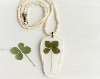 Real Four Leaf Clover Necklace, Real Flower Jewelry, Romantic Pendant, Botanical Jewelry, Preserved Flower, Nature Jewelry, Nature Pendant