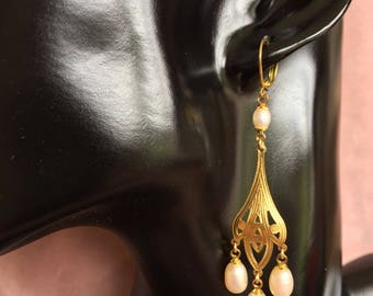 Oreillesaux earrings pearls, new art collection