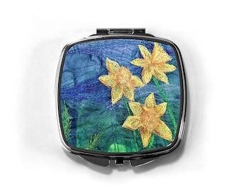 Compact Mirror daffodils