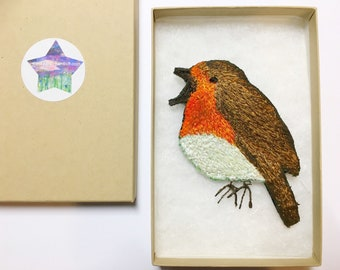 Embroidered Robin brooch