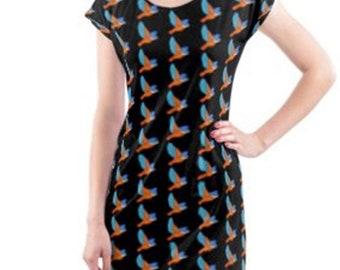 Beach dress.  Kingfisher illustration print on black.