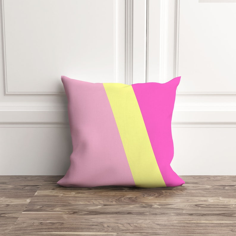 Coussin rose et jaune décor de chambre denfant coussin | Etsy
