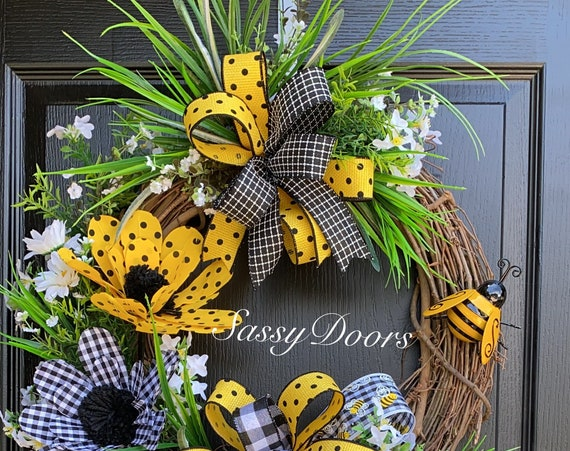 Summer Wreath, Bumble Bee Wreath, Summer Grapevine Wreath, Summer Wreath for Front door, Farmhouse Wreath, Sassy Doors Wreath,