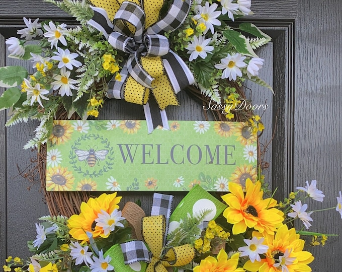 Summer Wreath, Bumble Bee Wreath, Summer Grapevine Wreath, Summer Wreath for Front door, Farmhouse Wreath, Sassy Doors Wreath,