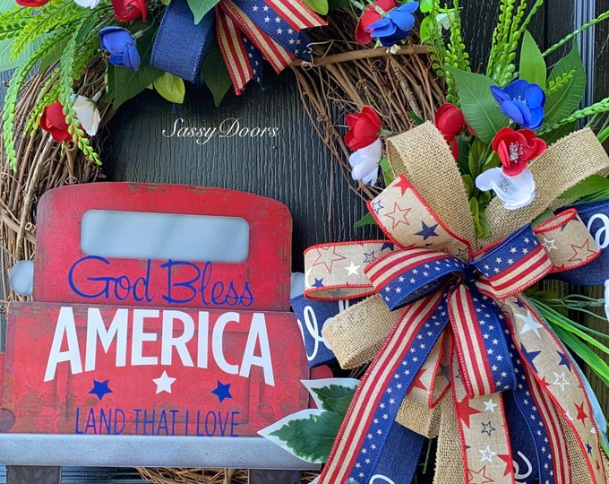 Red Truck Tailgating Wreath, Farmhouse Patriotic Wreaths, USA Wreath, Fourth Of July Wreath, Sassy Door Wreath,