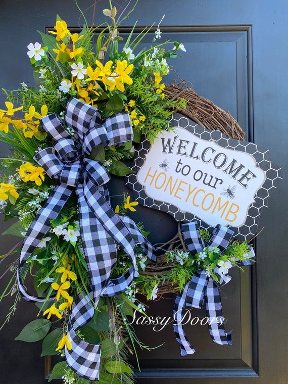 Everyday Wreath, Bumble Bee Wreath, Summer Grapevine Wreath, Summer Wreath for Front door, Farmhouse Wreath, Sassy Doors Wreath,