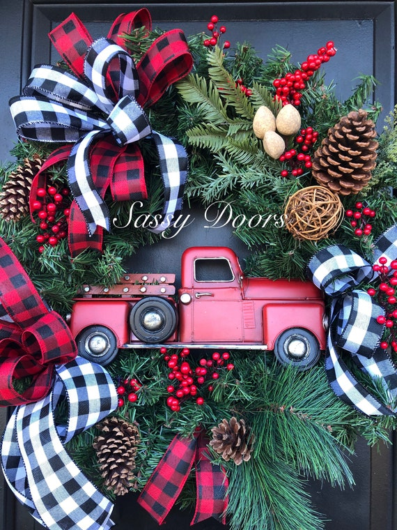 Red Truck Wreath, Christmas Wreath With Red Truck, Christmas Door Wreath, Red Truck Sign Christmas Wreaths, Farmhouse Wreath,