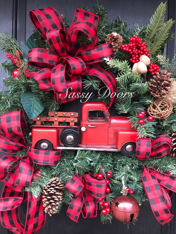 Red Truck Wreath, Christmas Wreath With Red Truck, Christmas Door Wreath, Buffalo Plaid Red Truck Christmas Wreaths, Farmhouse Wreath,