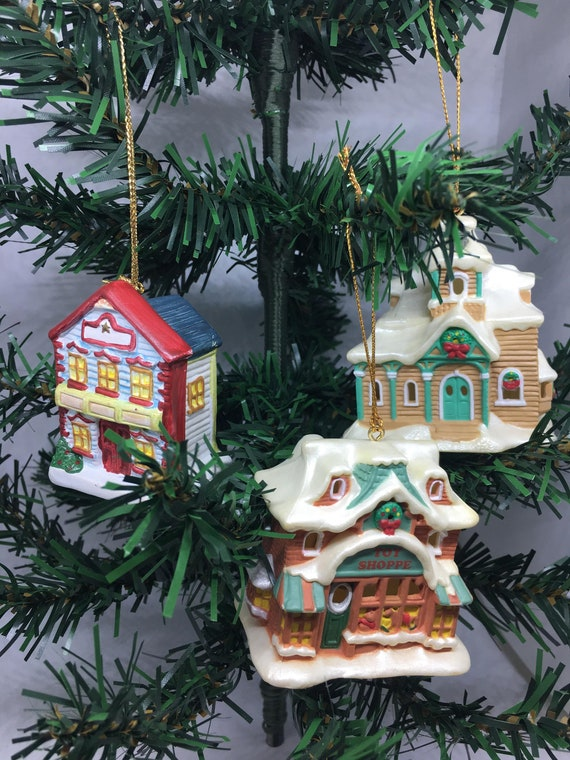 Christmas Village Houses.Vintage Christmas Village Houses Ornaments Three Included Ornament Lot Of Vintage Collectible Town Village Houses Vintage Christmas Tree