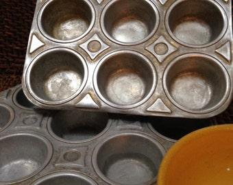 Vintage cupcake/ muffin tins