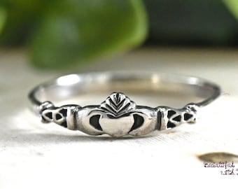 bf7aa12c17 Irish Claddagh Ring, Dainty Clddagh Ring, Celtic Ring, Vintage Claddagh Ring,  Claddagh Ring Sterling Silver, Gift Idea for Girls Womens