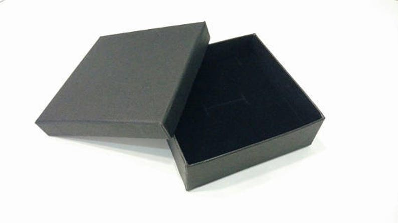 Buying Wholesale Jewelry paper boxes