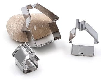 3 mini cookie cutters houses