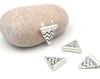 40 loops Triangle Chevron flags matte silver