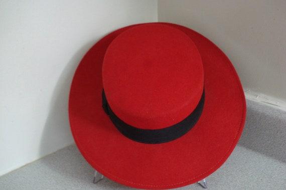 VINTAGE BETMAR Style Fedora HAT / Lipstick Red Col