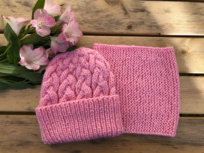 Pink and White Hats Set of 2 Knitted Easter Bunny Hat Children/'s Beanies
