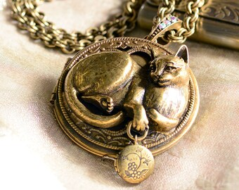Cat Pendant, Cat Necklace, Cat Jewelry, Kitty Necklace, Cat, Locket Necklace, Cat Lover Gift, Animal Necklace, Animal Jewelry N909