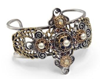 Cross Bracelet, Cuff Bracelet, First Communion Gift, Christian Bracelet, Religious Jewelry, Cross, Cross Jewelry, Gift for Her BR531