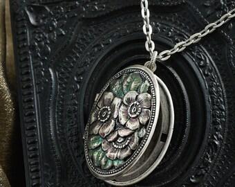 Primroses Silver Locket, Primrose Locket, Primrose Necklace, Floral Locket, Pink Flower Locket, Silver Locket, Silver Necklace N1580
