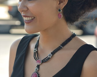 Vintage Glass Deco Rose Quartz Necklace N5711