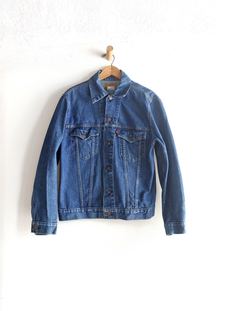 3914ead9ddff6 Vintage Levi Medium denim jacket dark blue Made in USA   Blue