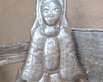 "Madona Metal Garden Art, Virgin Mary, Recycled Steel Sculpture from Haiti 17 1/2"" x 6"""