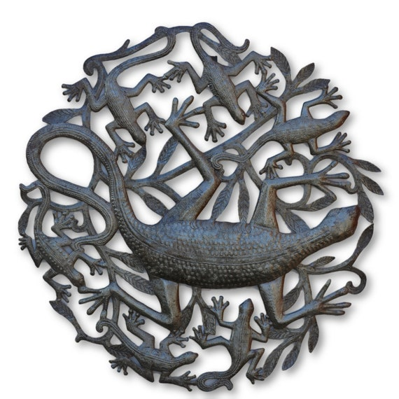 Circled Garden Lizard, Quality Haitian Recycled Metal Sculpture, One-of-a-Kind 23x24