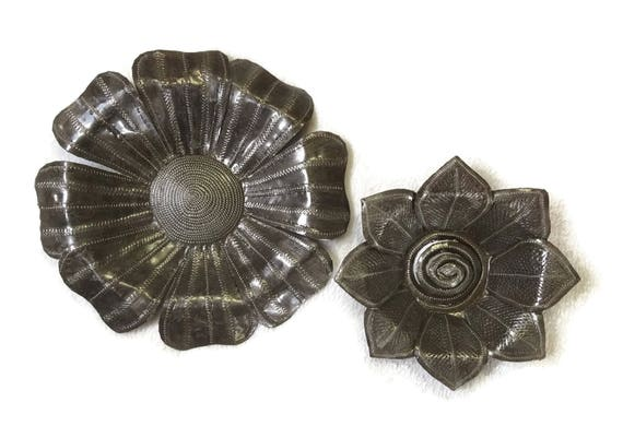 "Metal Decorative Garden Flowers, Handmade Metal From Recycled Oil Drums, (set of 2), 7"",9.5"""