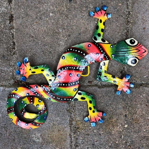 """Gecko, Colorful Hand Painted In Haiti 8"""" X 5 1/2"""""""