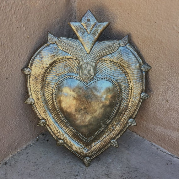 "Sacred Milagro Heart, Charming Inspirational Wall Decor, Handmade in Haiti from recycled oil drums 7"" x 9"""