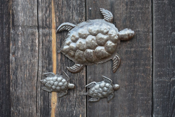 "Sea Turtle, Set of 3, Swimming Right, Ocean, Beach, Metal Wall Art, Recycled Steel Haiti (large turtle 12"" x 10"" / mini turtles 5.5"" x 4"")"
