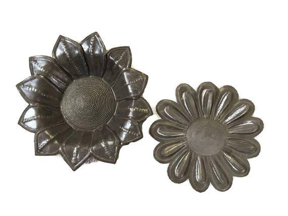 "Decorative Metal Garden Flowers, Indoor and Outdoor, Haiti Recycled Art,(set of 2), 7.5"",9"""
