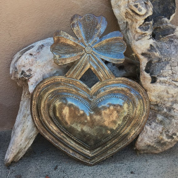 "Heart with a Bow, Charming Inspirational Wall Decor 7"" x 9"""