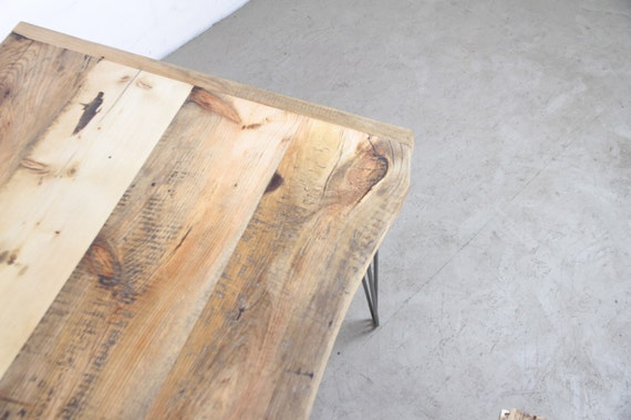 Esstisch Aus Geborgenem Holz, Hairpin Tischbeine, Rustikale Tischplatte,  Esszimmer Und Wohnzimmer Kreiert, Café Oder Arbeitszimmer, Berlin,
