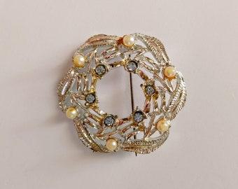 Vintage Feather Pearl Faux Diamond Wreath / Feather Wreath / Silver Feather / Silver Pin / Silver Brooch