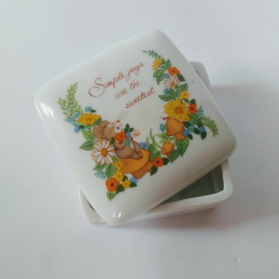 Vintage Simple Joys Ceramic Box // Great Gift // FREE SHIPPING //