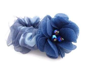Mesh wrapped  satin scrunchie with flower decoration women scrunchy